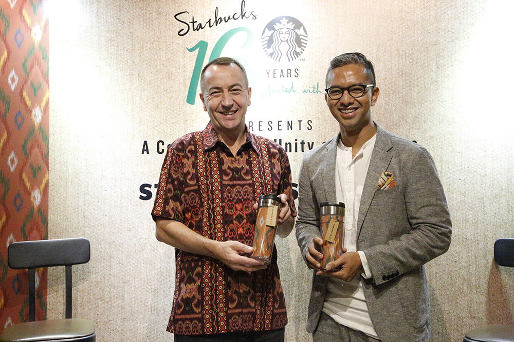 Kolaborasi IKAT Indonesia dan Starbucks Indonesia Merchandise Cepuk 2