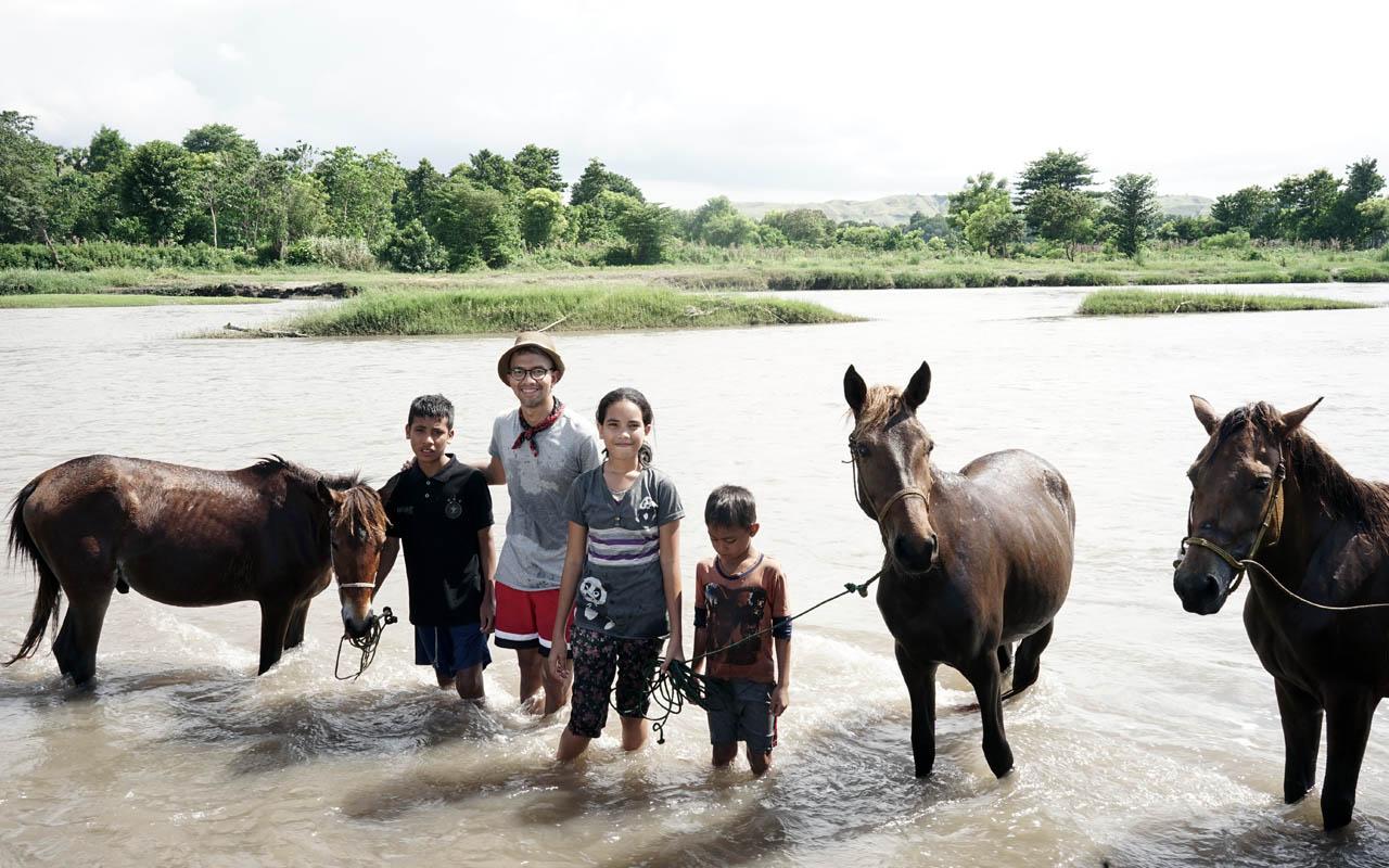 Didiet Maulana dan kuda-kuda Sumba Timur sandalwood