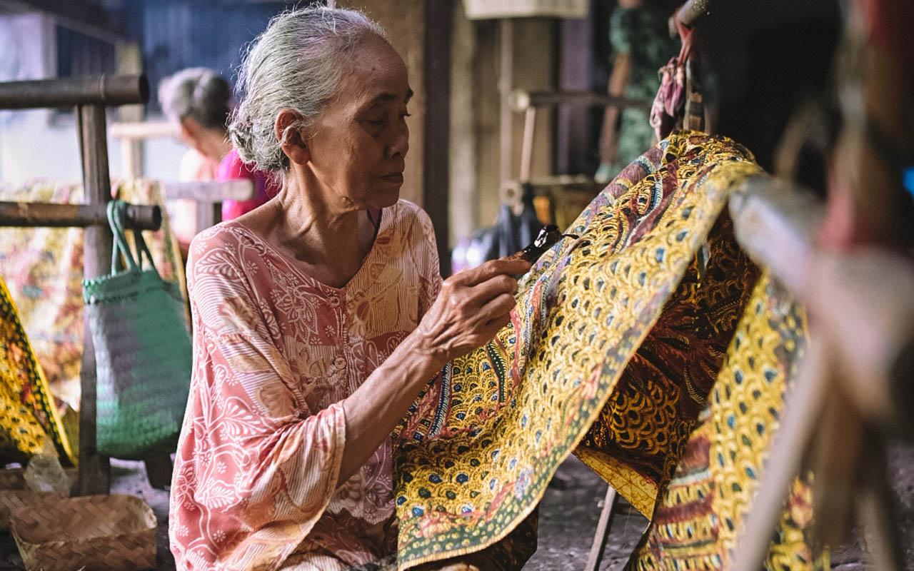 Batik tulis Lasem Rumah Batik Nyah Kiok 3 - Didiet Maulana